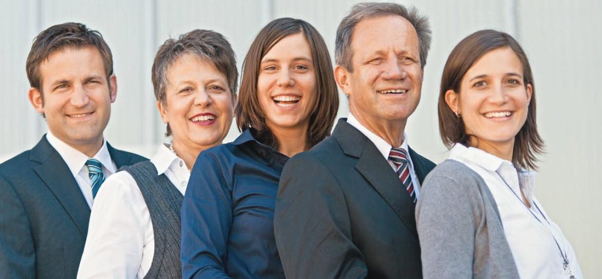 92e1748b594c2a 2014 übernahmen Daniel Walder als neuer Geschäftsführer und seine  Schwestern Sandra Furger-Walder und Martina Walder die Führung der Schuhhaus  Walder AG mit ...